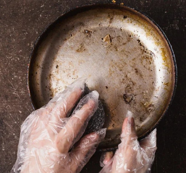 How to Remove Discoloration from Stainless Steel Cookware